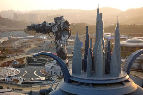 Robot castle rises in China