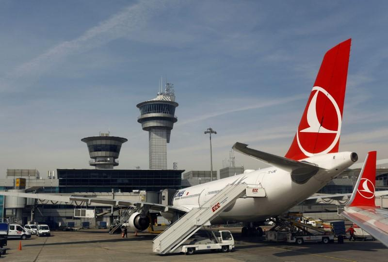 """""""Bomb on Board"""" Wi-Fi Network Causes Turkish Airlines Flight to Be Diverted"""