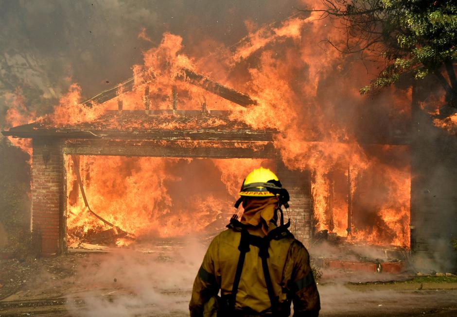 Firefighters Battle To Save One Of Many Homes Burning In An Early Morning Creek Fire That Broke Out The Kagel Canyon Area San Fernando Valley
