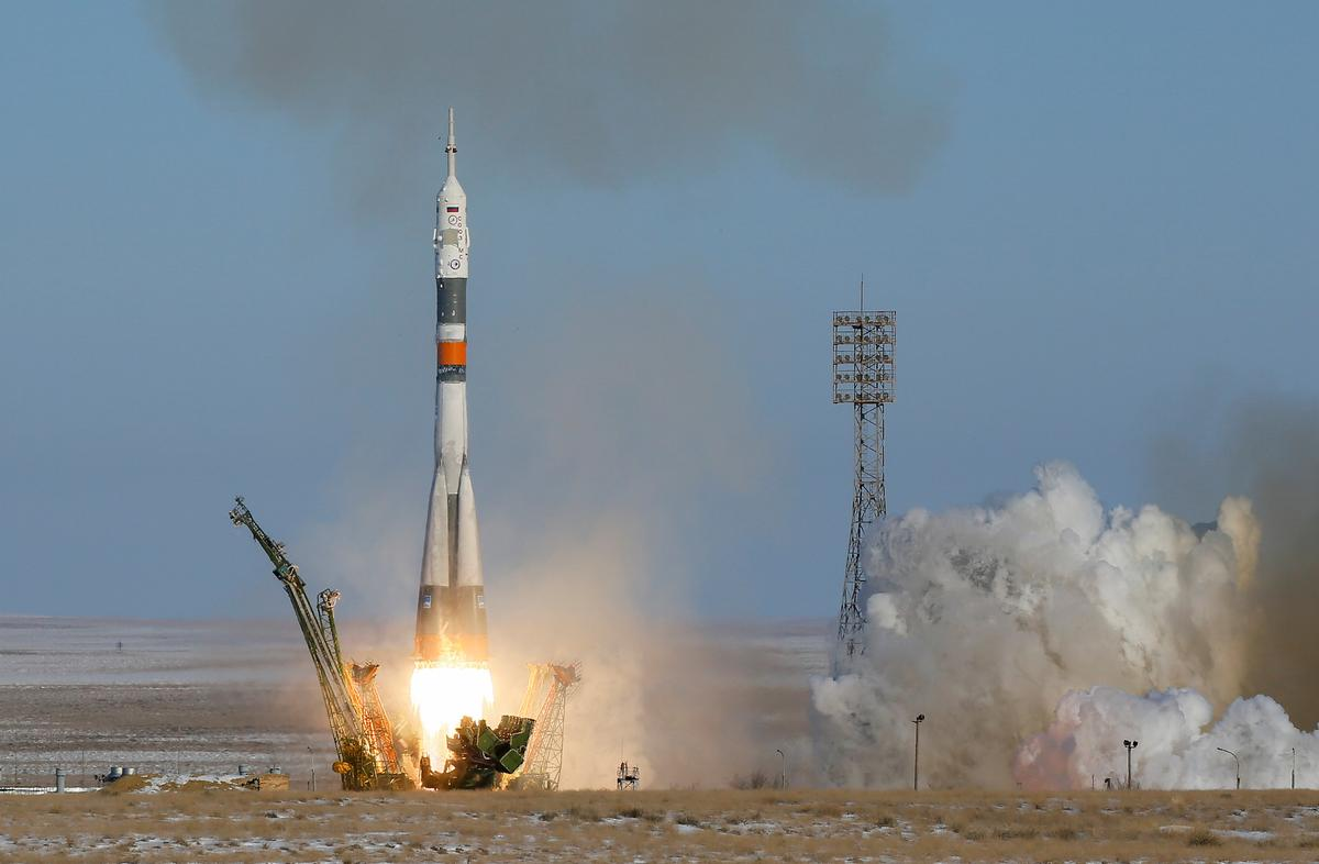 U.S., Russian, Japanese crew blasts off for space station