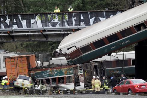 Deadly train derailment in Washington