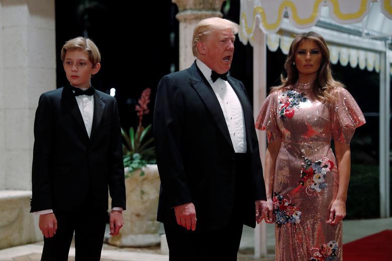 Trump spends holidays at Mar-a-Lago | Reuters com