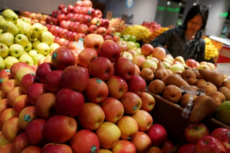 Cheaper services weigh on U S  wholesale prices