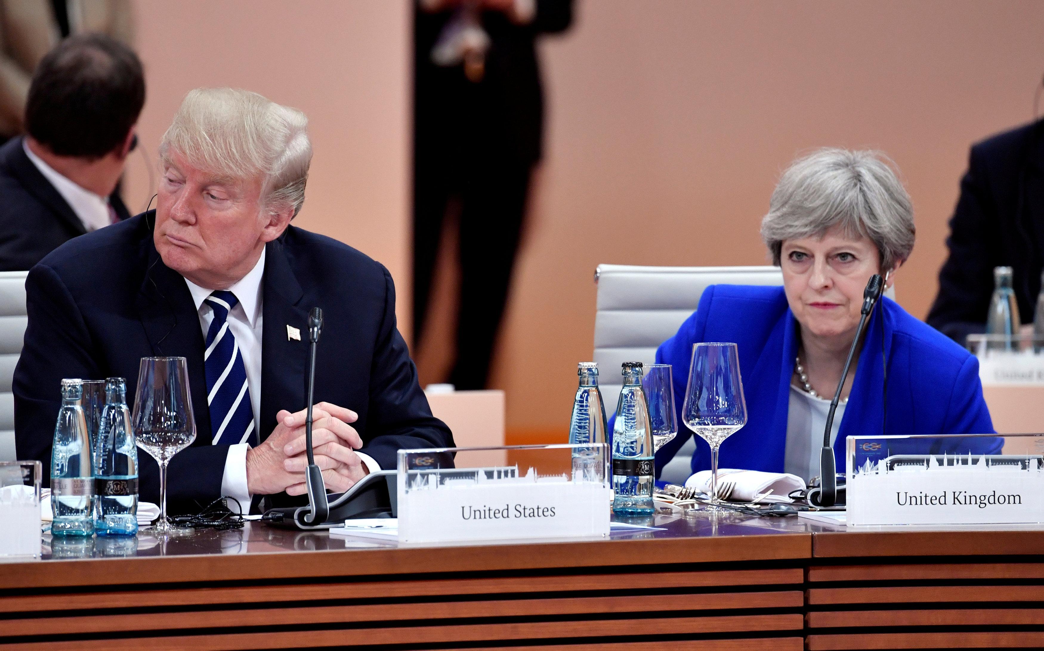 """Résultat de recherche d'images pour """"Trump cancels Britain trip, blames Obama for 'peanuts' London embassy deal"""""""