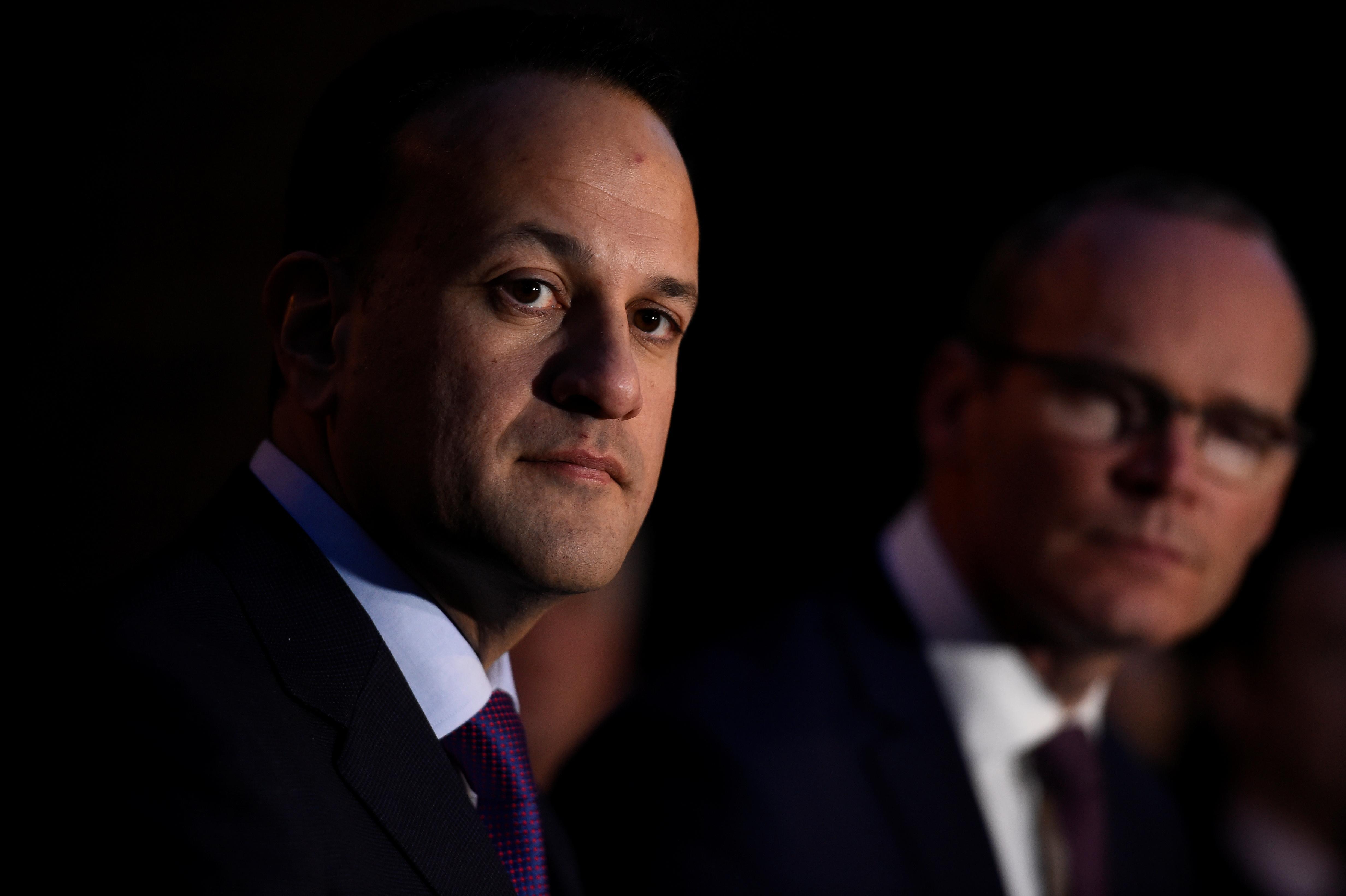 """El primer ministro irlandés """"muy esperanzado"""" para el acuerdo de poder compartido de Irlanda del Norte esta semana"""