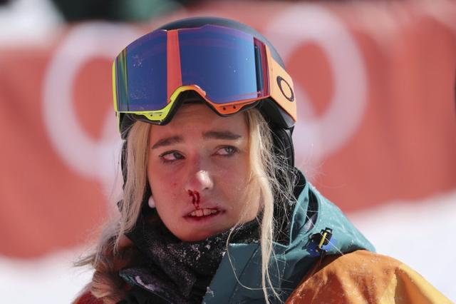 Snowboarding - Pyeongchang 2018 Winter Olympics - Women's Halfpipe Finals - Phoenix Snow Park - Pyeongchang, South Korea - February 13, 2018 - Emily Arthur of Australia after falling in her final run. REUTERS/Mike Blake