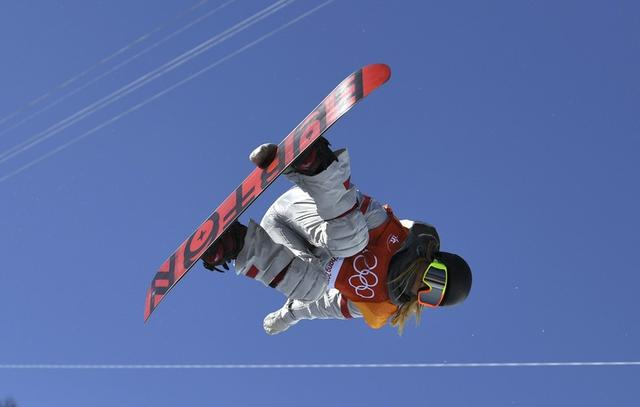 Snowboarding - Pyeongchang 2018 Winter Olympics - Women's Halfpipe Finals - Phoenix Snow Park - Pyeongchang, South Korea - February 13, 2018 - Chloe Kim of the U.S. competes. REUTERS/Dylan Martinez