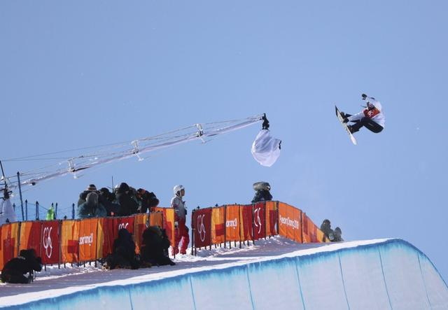 Snowboarding - Pyeongchang 2018 Winter Olympics - Women's Halfpipe Finals - Phoenix Snow Park - Pyeongchang, South Korea - February 13, 2018  - Haruna Matsumoto of Japan competes. REUTERS/Mike Blake