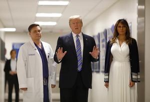 Trump visits Parkland, Florida