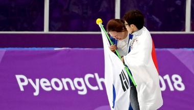 アングル:小平と李の友情、「真の平和五輪」と日韓で称賛