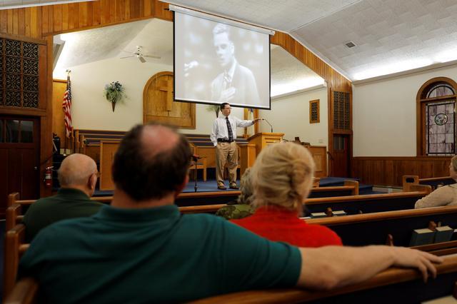 Billy Graham, preacher to millions, adviser to U S  presidents, dies