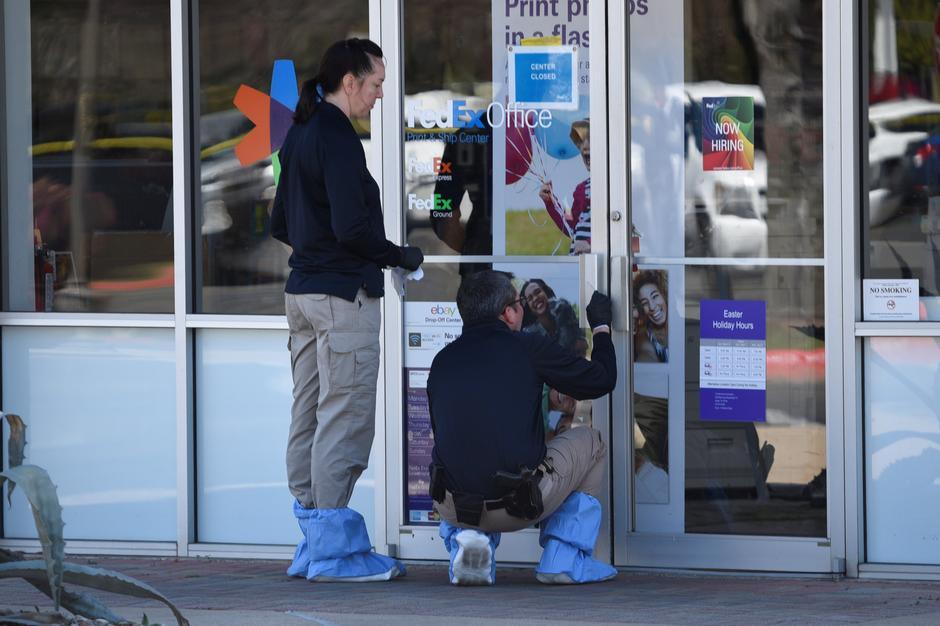 Sixth Texas parcel bomb leaves U S  investigators baffled