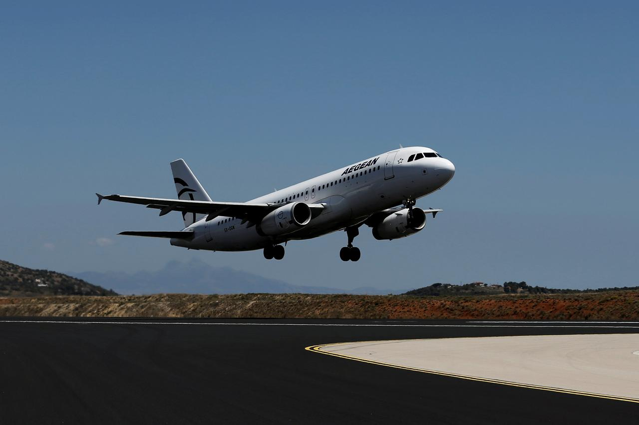 Greece's Aegean Air aims higher with $5 billion Airbus jet