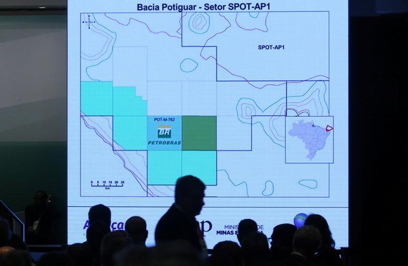 Resultado de imagem para Leilão de petróleo R$8,9 bilhões