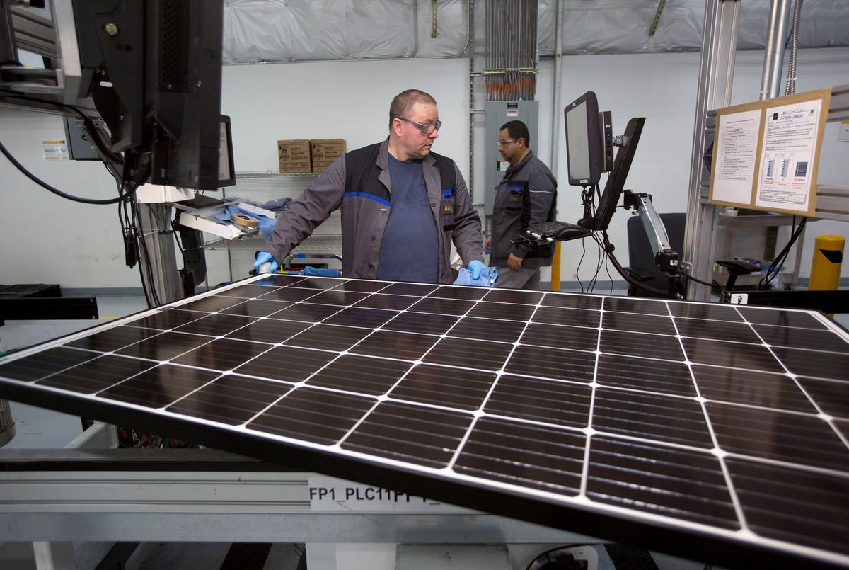 Sunpower Buys U S Rival Solarworld To Head Off Trump