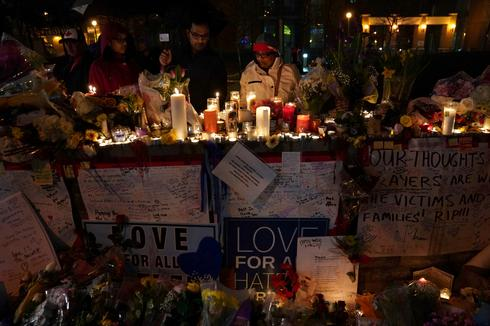Mourning after Toronto van attack