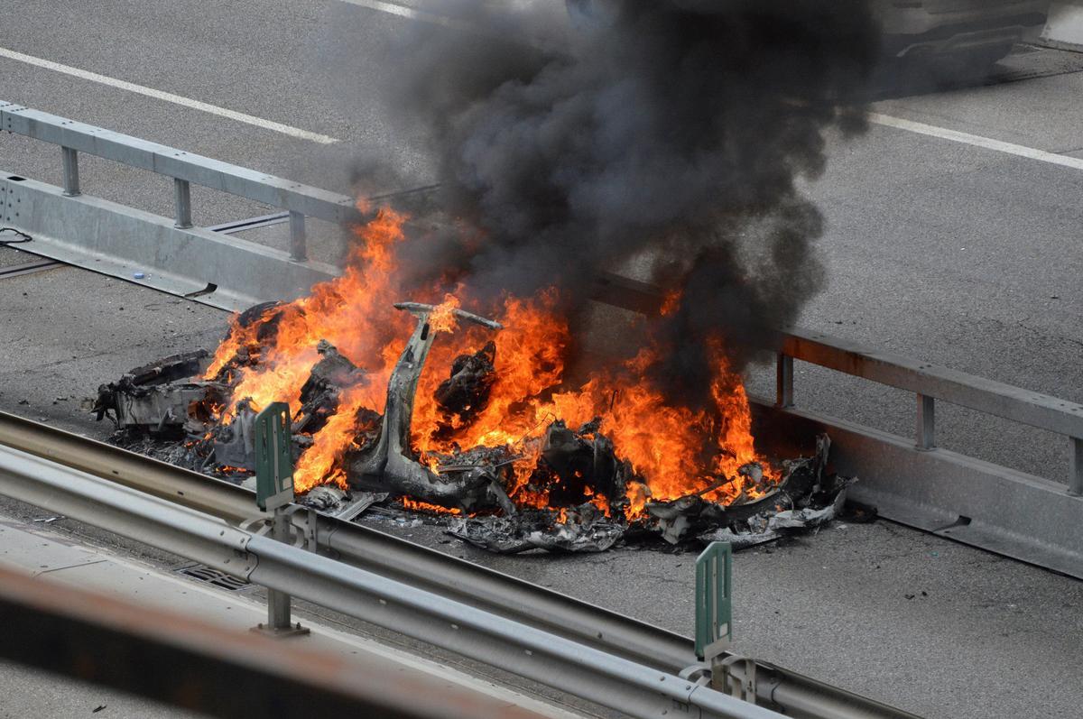 Swiss prosecutors investigate fatal Tesla crash
