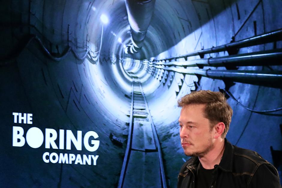 Elon Musk brings high-tech charm offensive to Los Angeles