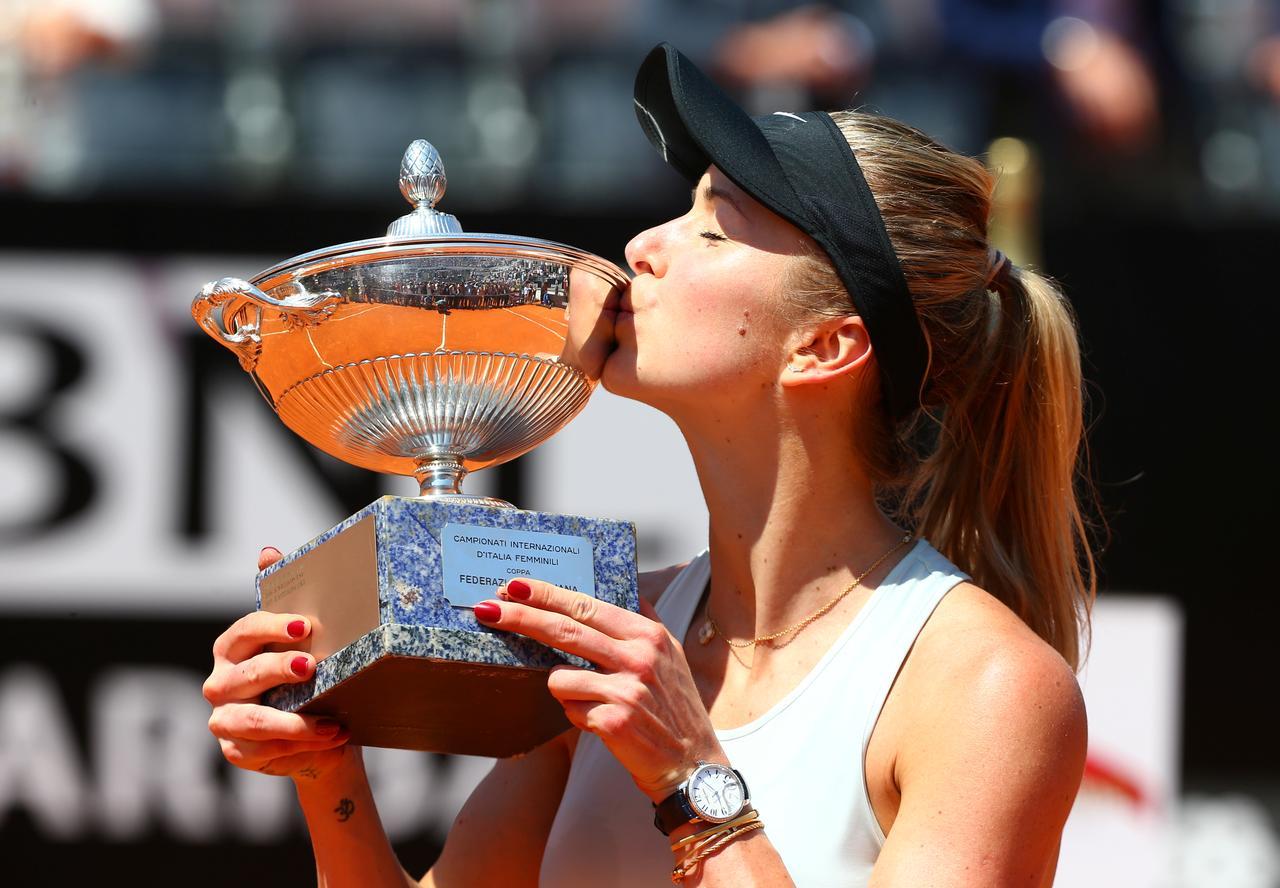 Svitolina se vuelve a llevar el torneo romano ante una Simona Halep que juega la final lesionada.