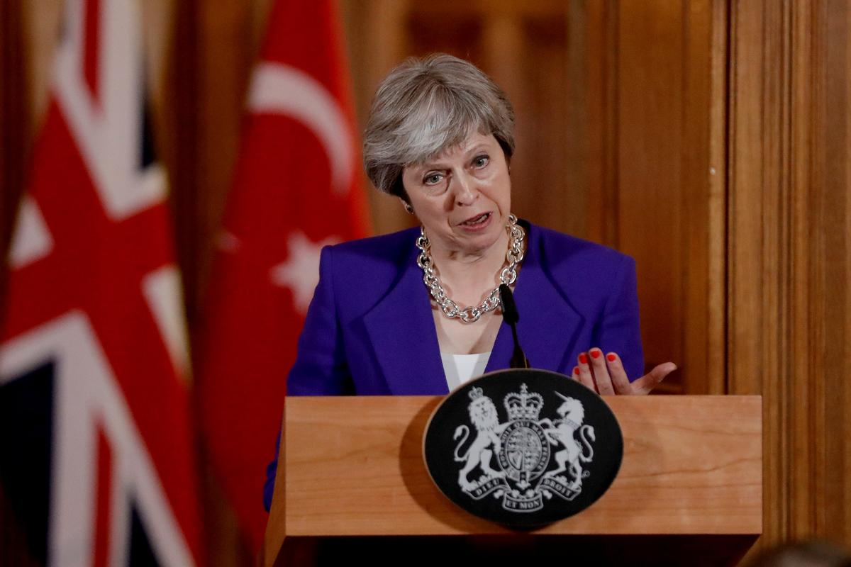 Prime Minister Theresa May will call on Britain's health service, charities and artificial intelligence sector to work together to better identify patients with the early stages of cancer and stop thousands dying each year.