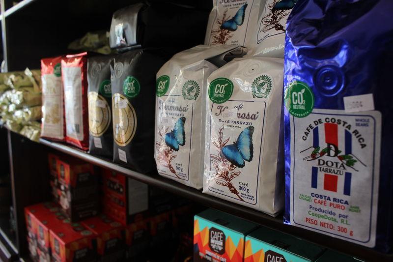 Costa Rica coffee farmers brew up a carbon neutral future