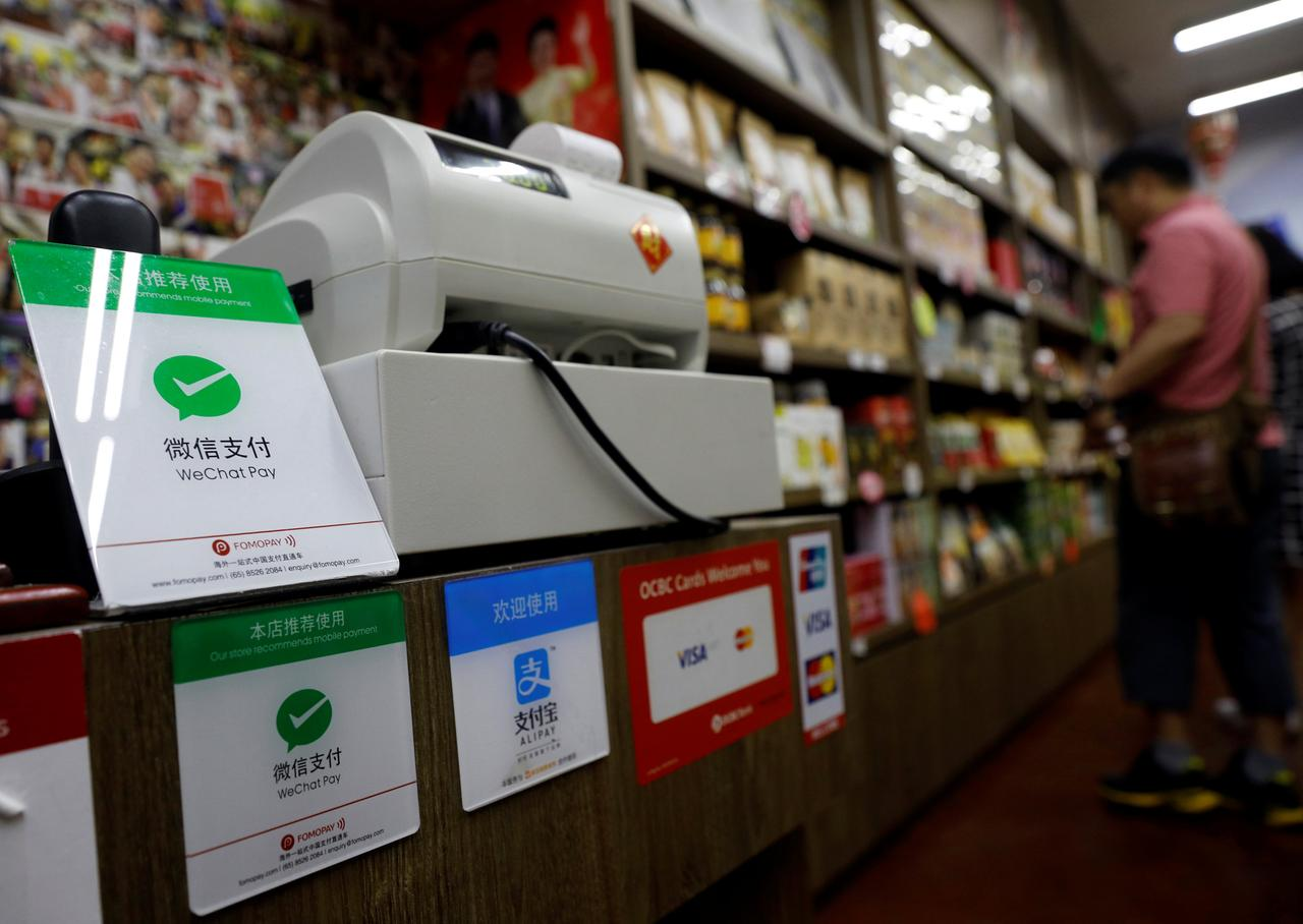 Mobile payment firms struggle to dethrone cash in Southeast