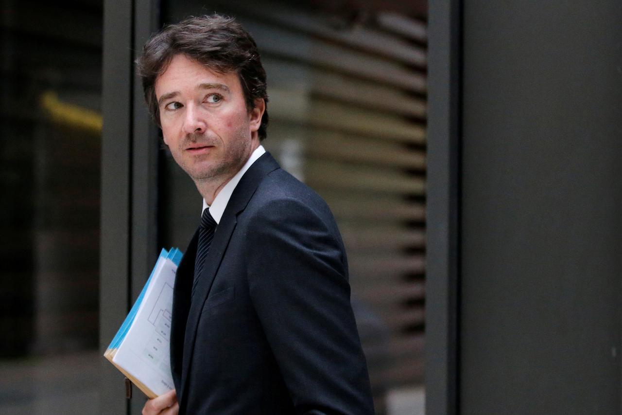 LVMH boss Arnault taps son for top communications job - Reuters