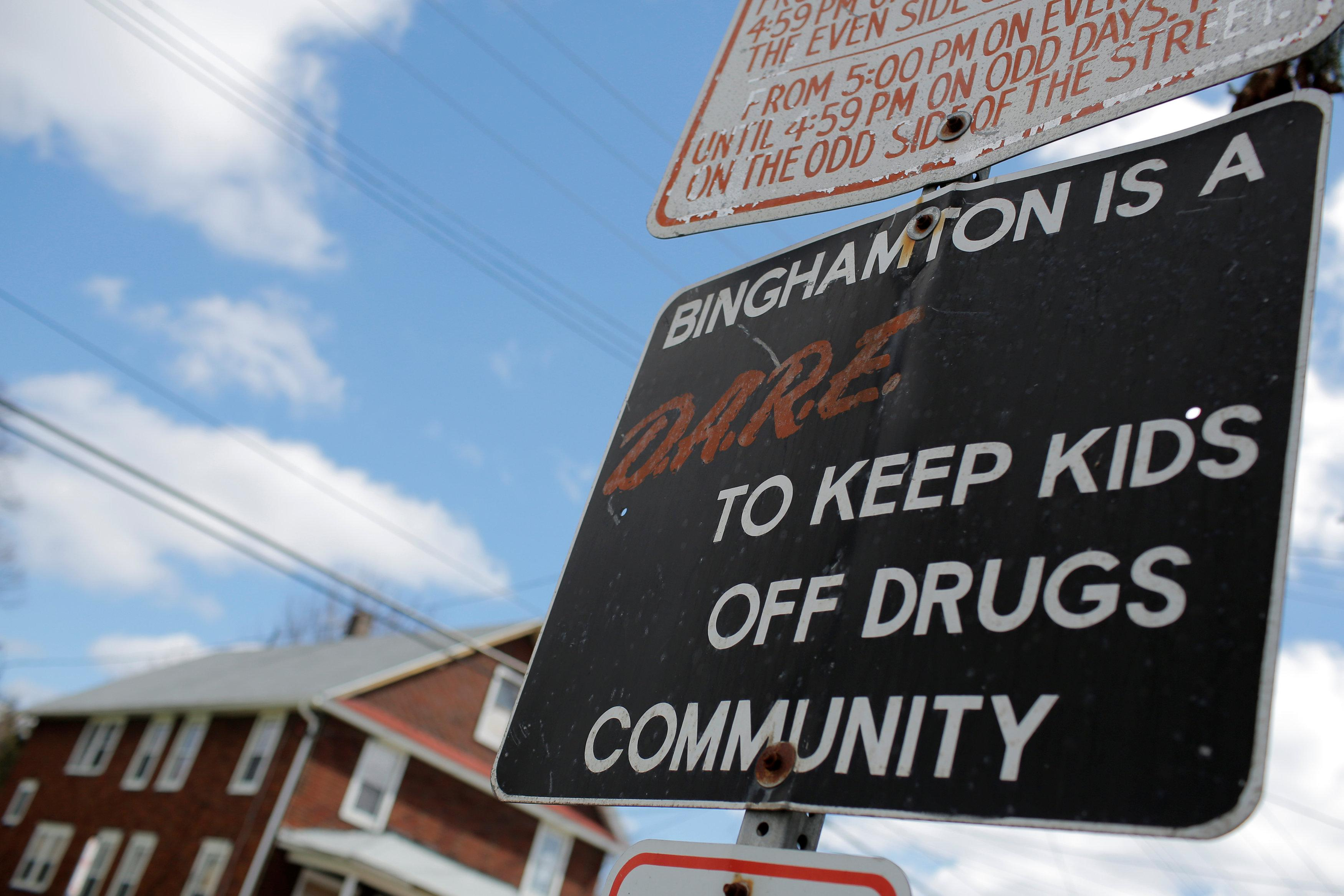 Voters in opioid-plagued districts demand solutions from
