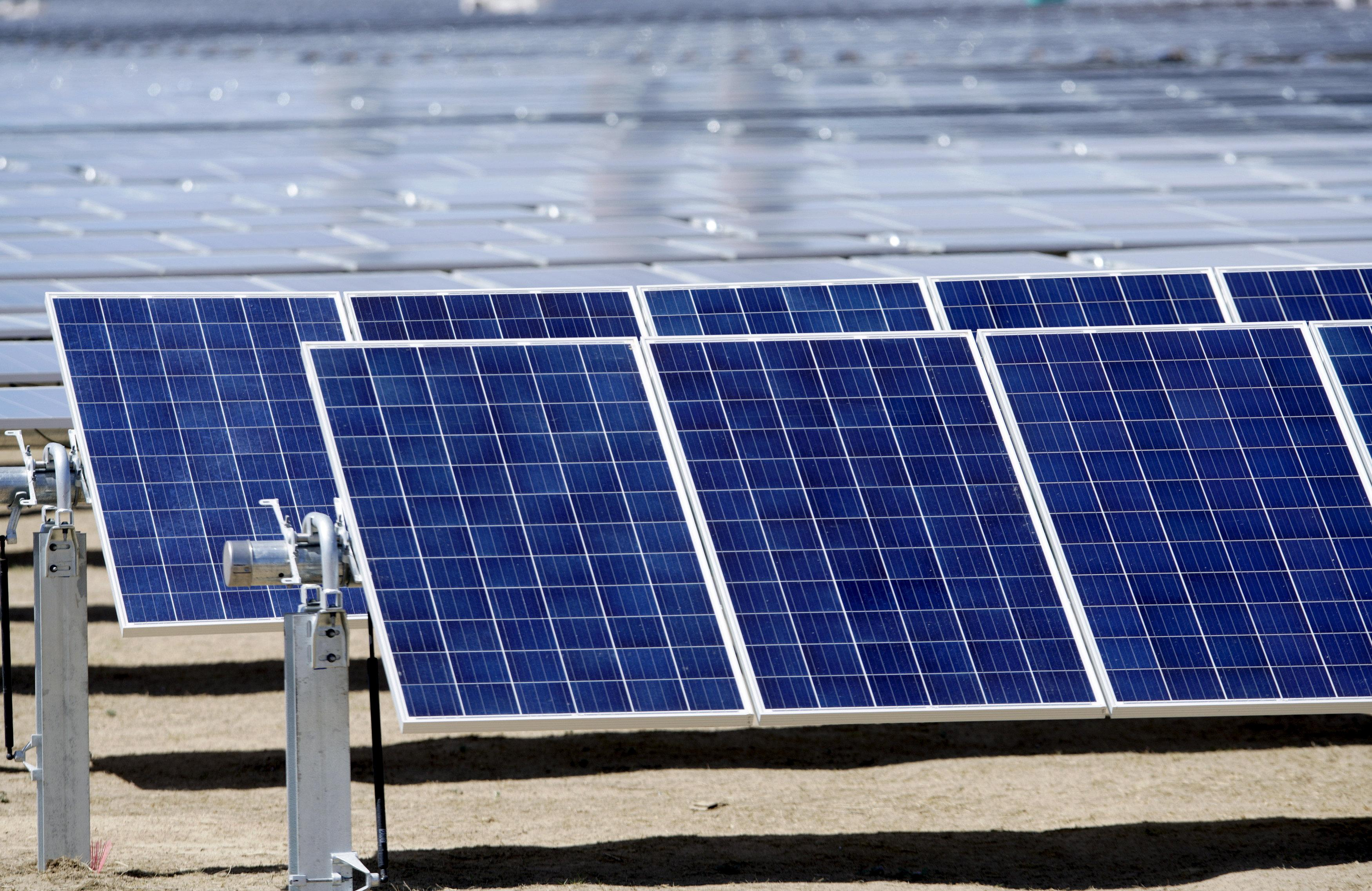 Billions in U.S. solar projects shelved after Trump panel tariff