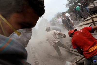Rescuers search for missing near Guatemala volcano