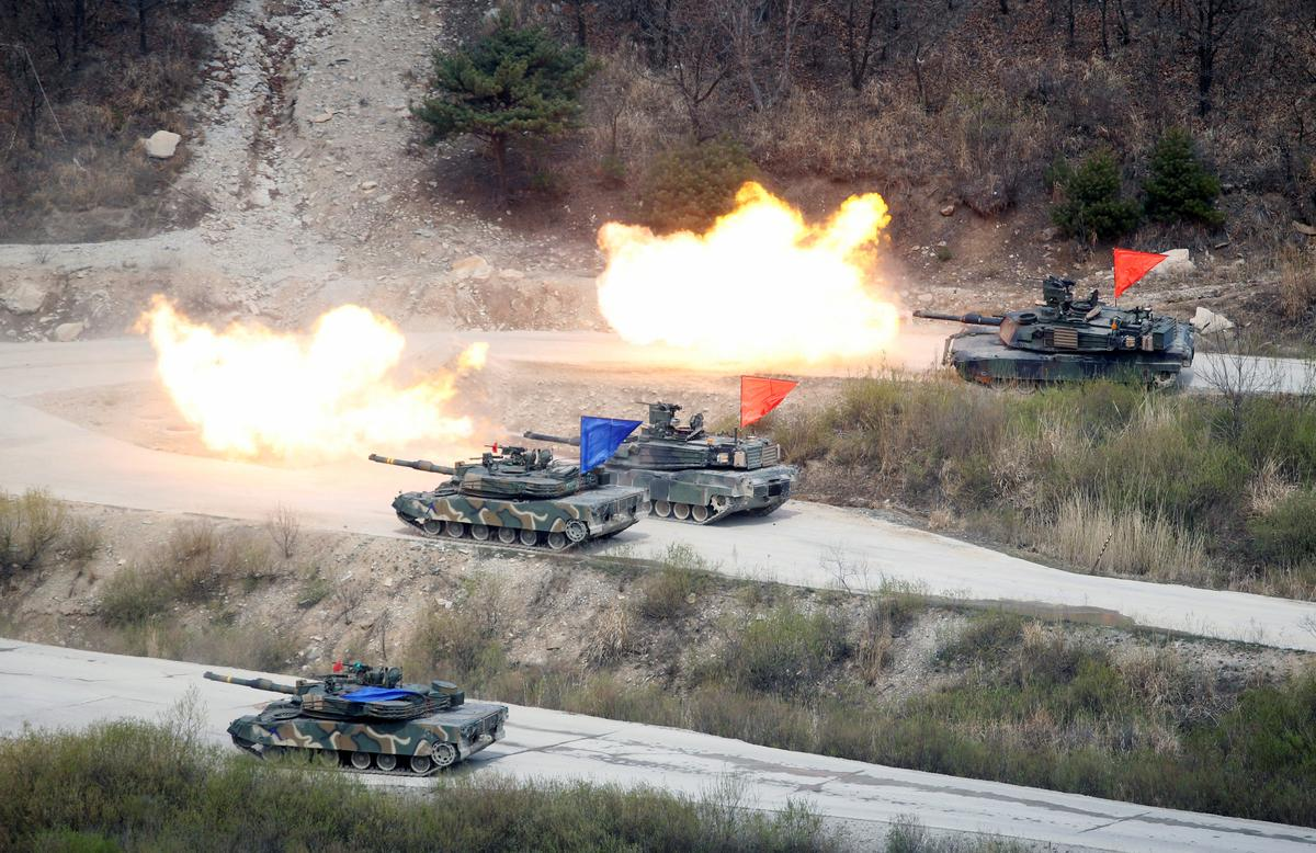 Pentagon weighs future of Korea drills after Trump nixes 'war games'
