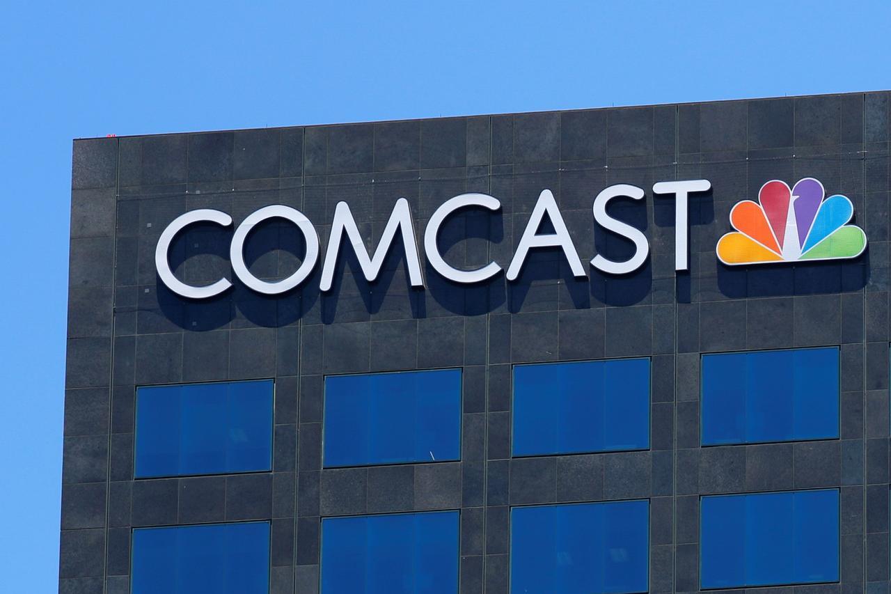Comcasts Record All Cash Fox Bid Signals Aggressive Lending Push