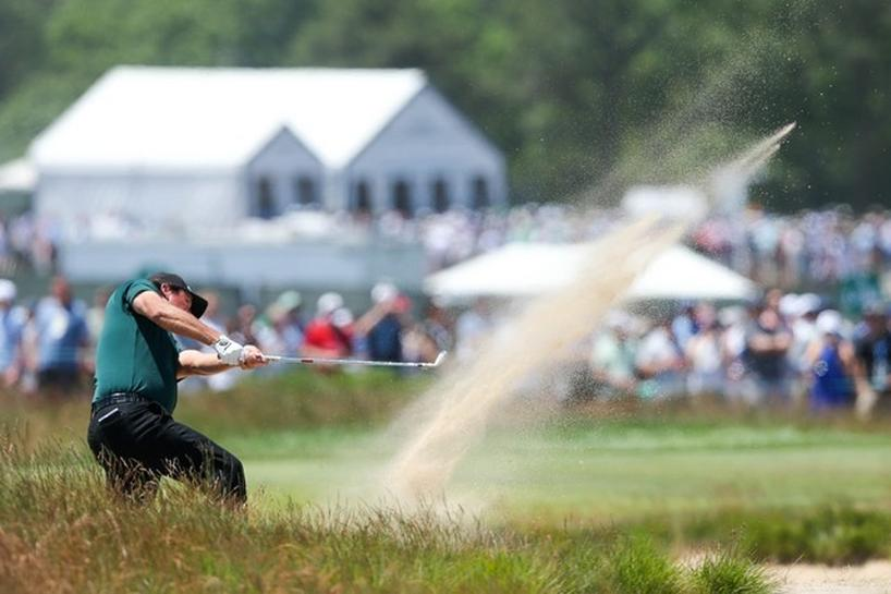 Golf: Under-fire Mickelson stands firm over moving ball hit