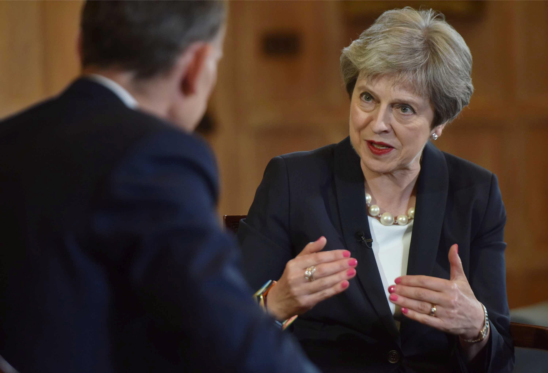 May dice que es necesario garantizar que el parlamento no revoque el Brexit