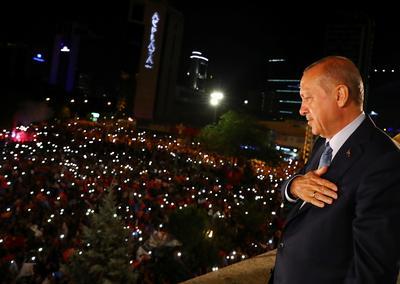 Turkey's Erdogan wins sweeping new powers