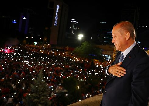 Turkey's Erdogan wins sweeping new powers