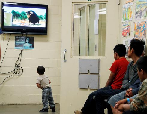 Melania Trump visits kids detention centers