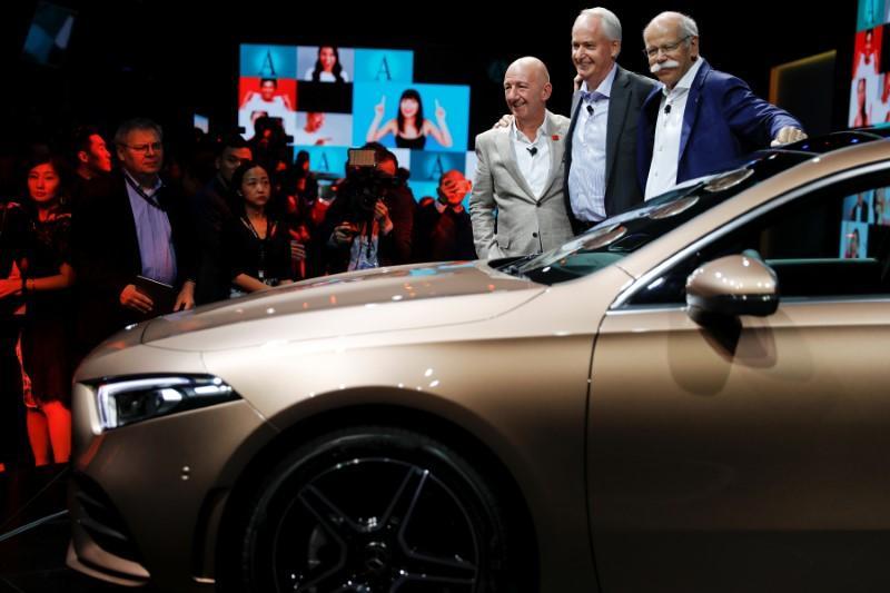 Daimler sichert sich Kreditlinie über elf Milliarden Euro