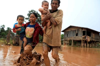 Thousands stranded after Laos dam collapse