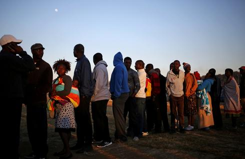 Zimbabwe votes in first post-Mugabe poll