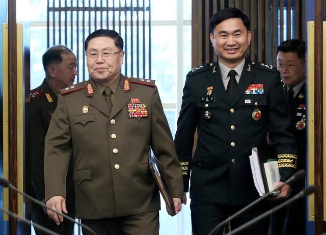 """Résultat de recherche d'images pour """"Two Koreas hold military talks as U.S. detects activity at North Korea missile factory"""""""