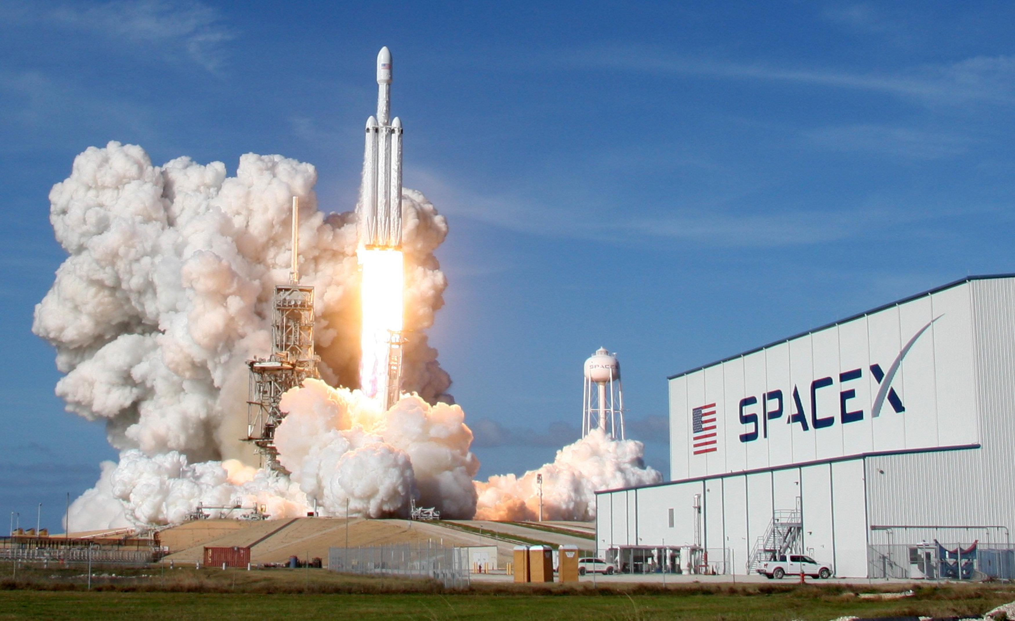 Is SpaceX the model for a private Tesla? - Reuters