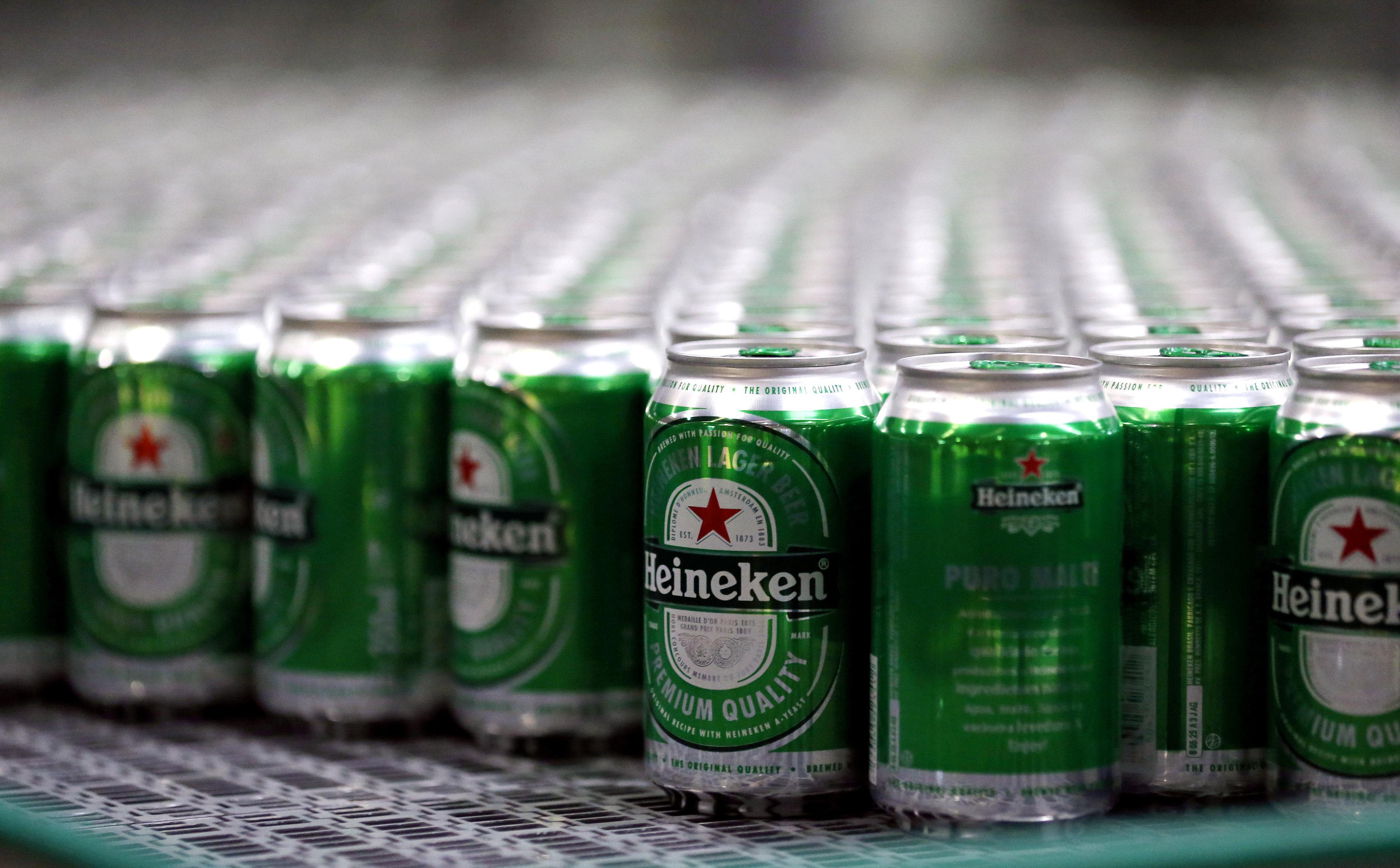 Heineken beers are seen on a production line at the Heineken brewery in Jacarei, Brazil June 12, 2018.  Paulo Whitaker