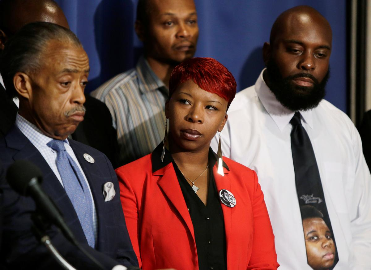 photo image Mother of slain youth, Michael Brown, running for Ferguson City Council
