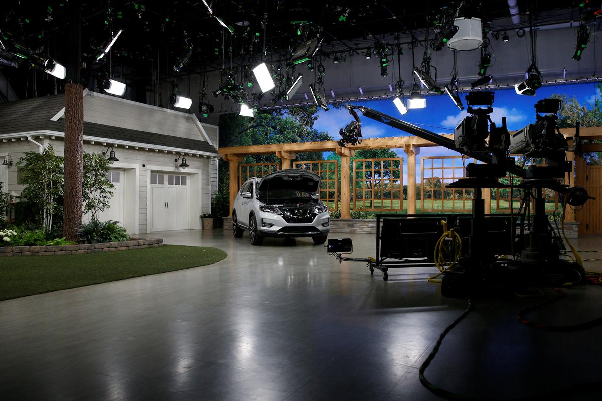 From Blue Lipstick to Facebook Live, Home Shopping Networks Refine their Pitch