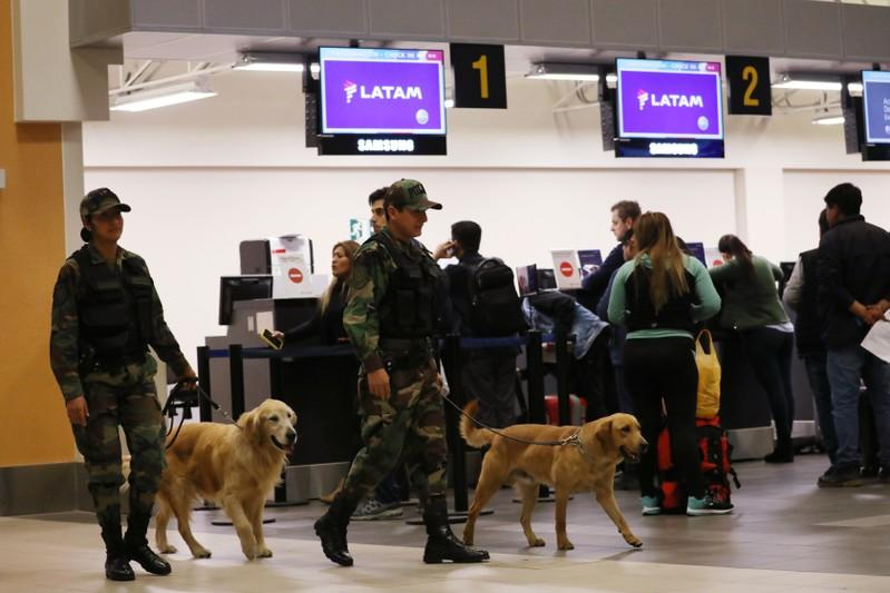 Bombendrohung zwingt neun Flugzeuge in Südamerika zur Landung