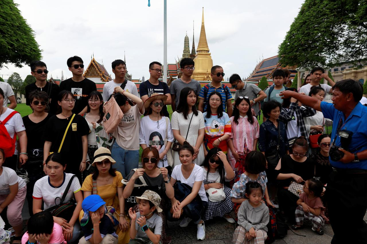 Thailand sees drop in Chinese visitors after tourist boat
