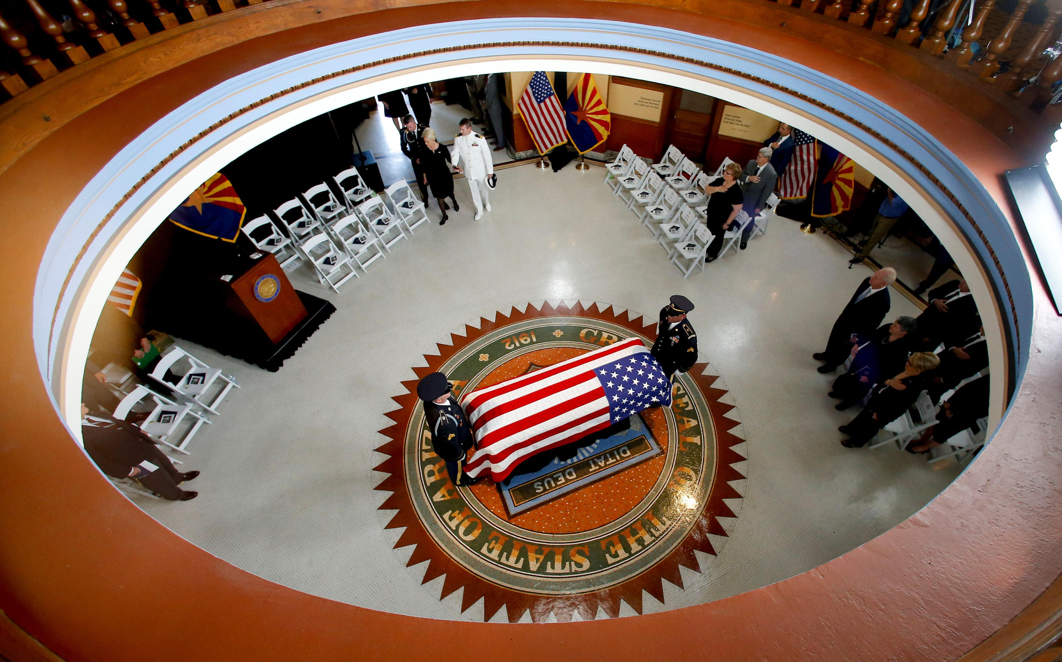 Memorial tributes to Senator John McCain open in Arizona Capitol