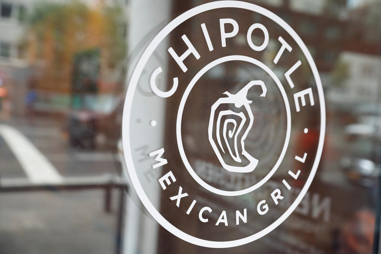 Ackman Says Plans To Stick With Chipotle After Trimming Holding