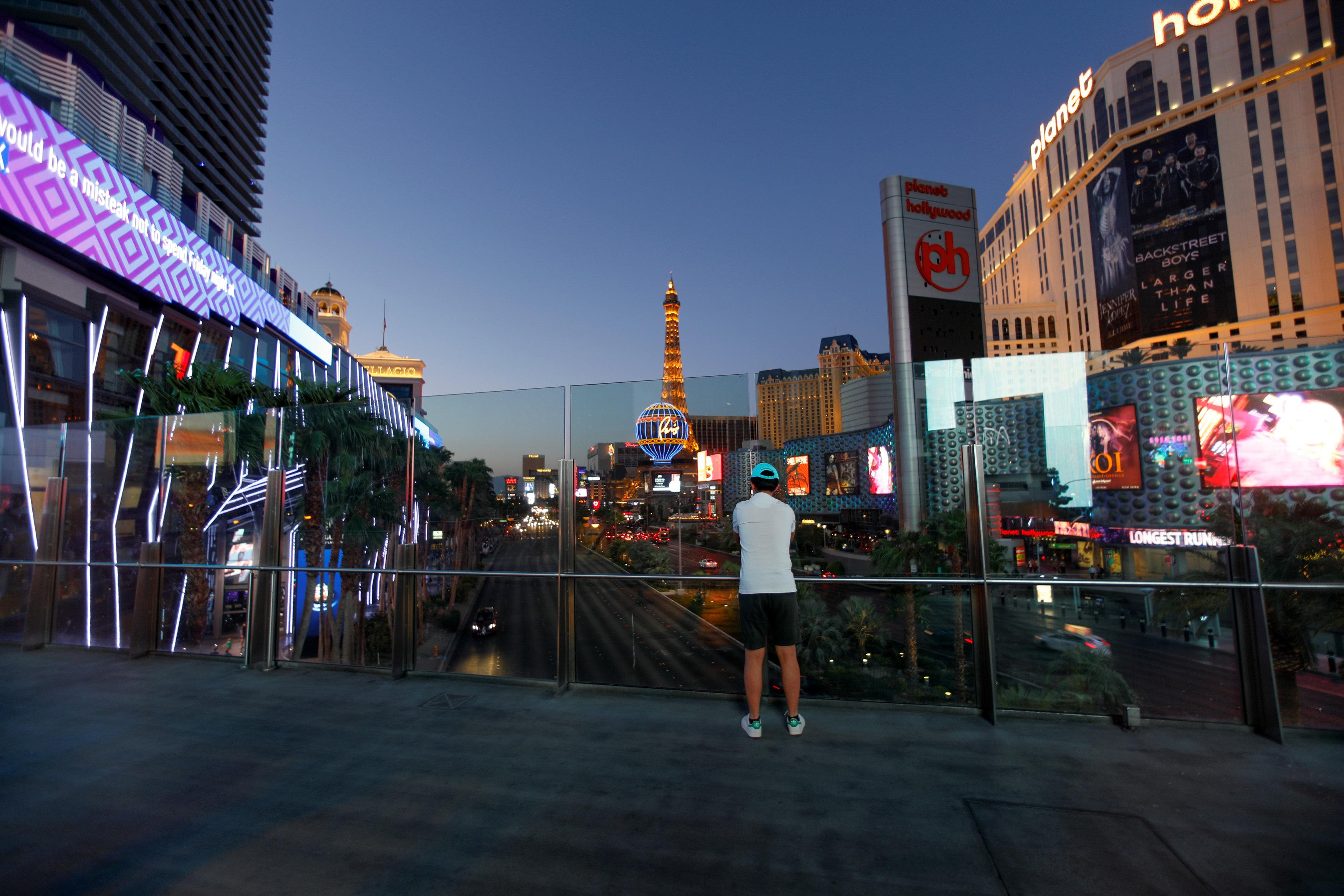 Credit Bust Gives Few Old Buildings >> Las Vegas Is Booming Again And Bracing Itself For Next Slump Reuters